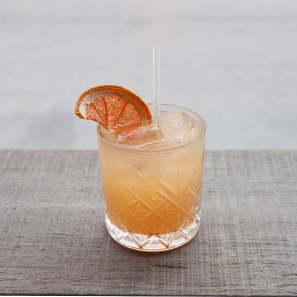 Gin and Graped serveret i cocktailglas