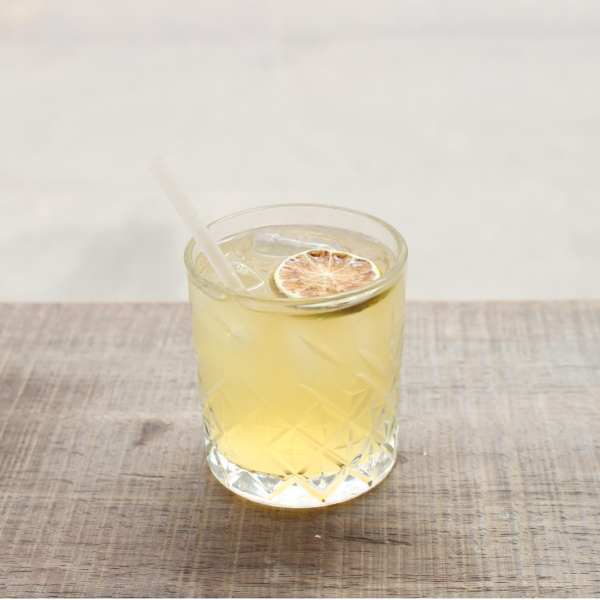 Lokes Sour serveret i cocktailglas